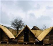 Bungalovi, brvnare, dvorišne kućice