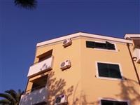 Jednosoban stan od 50m2 u centru Igala