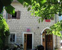 Kuca povrsine 106 m2  u naselju Tabacina