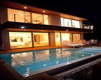 Vila povrsine 293 m2 na dva nivoa
