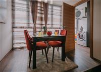 Prodaje se luksuzni dvosoban stan u Budvi, Rozino