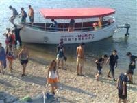 Vozač turističkog brodića