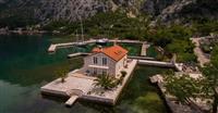 Vila povrsine  170m2 sa predivnim pogledom na more