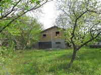 prodajem plac sa dve kuce, Beograd