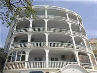 Hotel povrsine 1700m2 Sastoji se od 30 soba