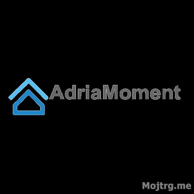 AdriaMoment