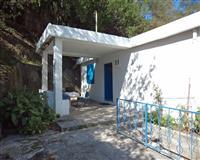 Kuca povrsine 85 m2 sa garazom u prizemlju od 40m2
