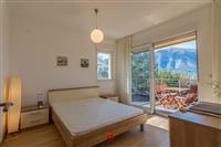 Moderan stan sa panoramskim pogledom na more