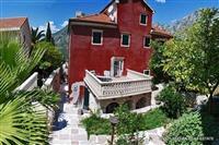 Villa povrsine  235m2 u Ljuta