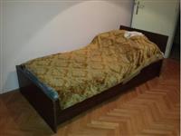 Krevet sa fiokom i dusekom