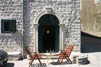 Kupujem manji stan u okolini Kotora