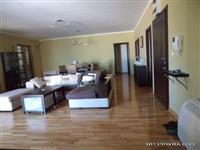 Stan povrsine 171 m2 Sveti Stefan