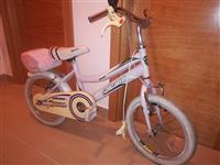 Povoljno prodajem dva bicikla za uzrast od 3 do 8g