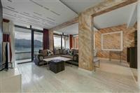 Trosoban stan 121 m2 + garaza 16 m2, Becici.